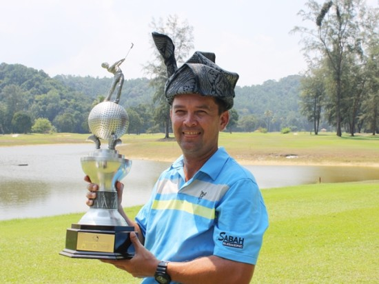Iain Steel with the Terengganu Masters