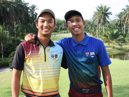 Boys' 18 and under champion Lucas Yee (PRK)and boys' 15 and under winner Christopher Daniel James (SAB)