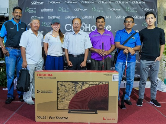 L to R: S. Sasi Kumar (gross champion), Tan Chee Kean (gross third), Genevieve Ling (gross second), Dato' IR Nasir Ibrahim (grand lucky draw winner), Megat Razak (nett champion), Arif Zaid (nett second) and Danial (nett third) © Mike Casper|TCH